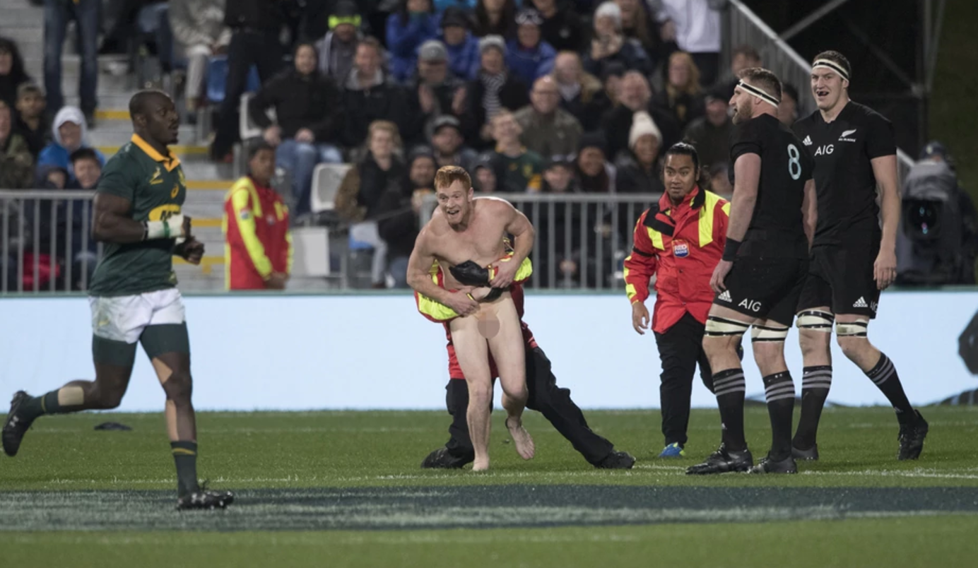 Lurch considered tackling streaker during All Blacks Test