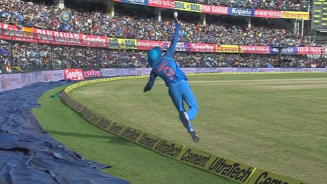 Watch this awesome boundary catch by India's Manish Pandey