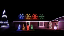 """Check out these awesome house Christmas Lights with Darude """"Sandstorm"""" soundtrack"""