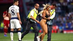 Female streaker steals show at Champions League final